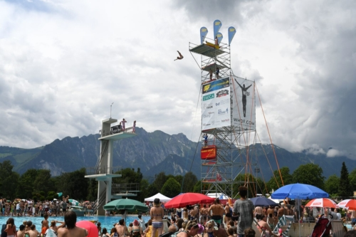 High Diver in front of mountains, High Diving Thun 2018