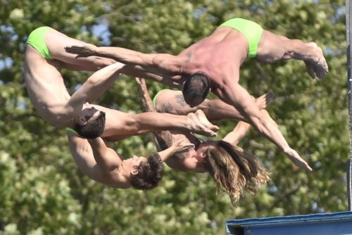 Mass High Dive, High Diving Show at Züri Fäscht 2019